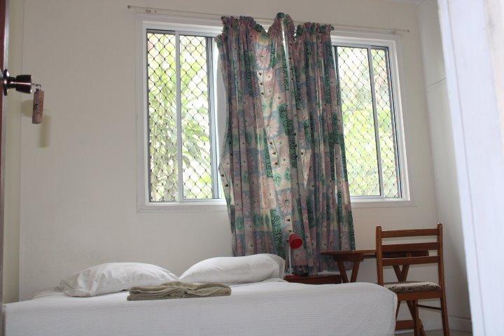 Room6 (Medium)